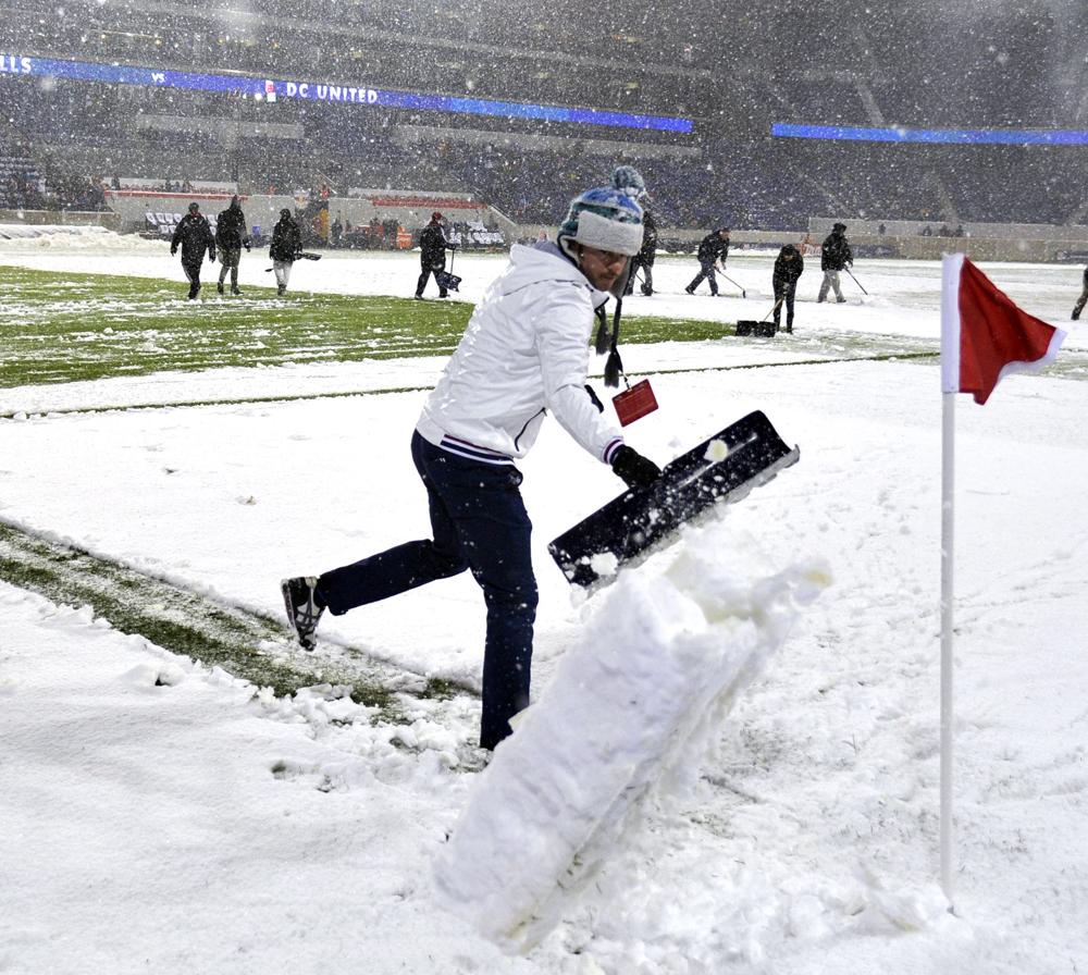 MLS-snow-DL-020614.jpg
