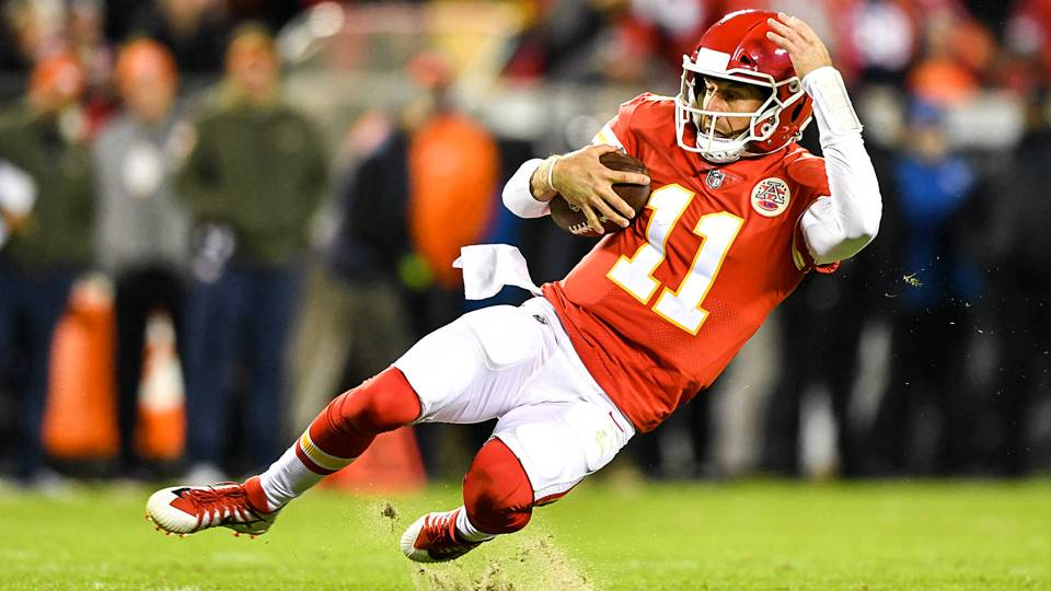 Alex-Smith-Chiefs-110717-getty-ftr