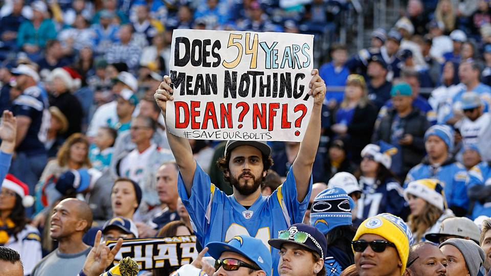 ChargersFans-Getty-FTR-011217.jpg