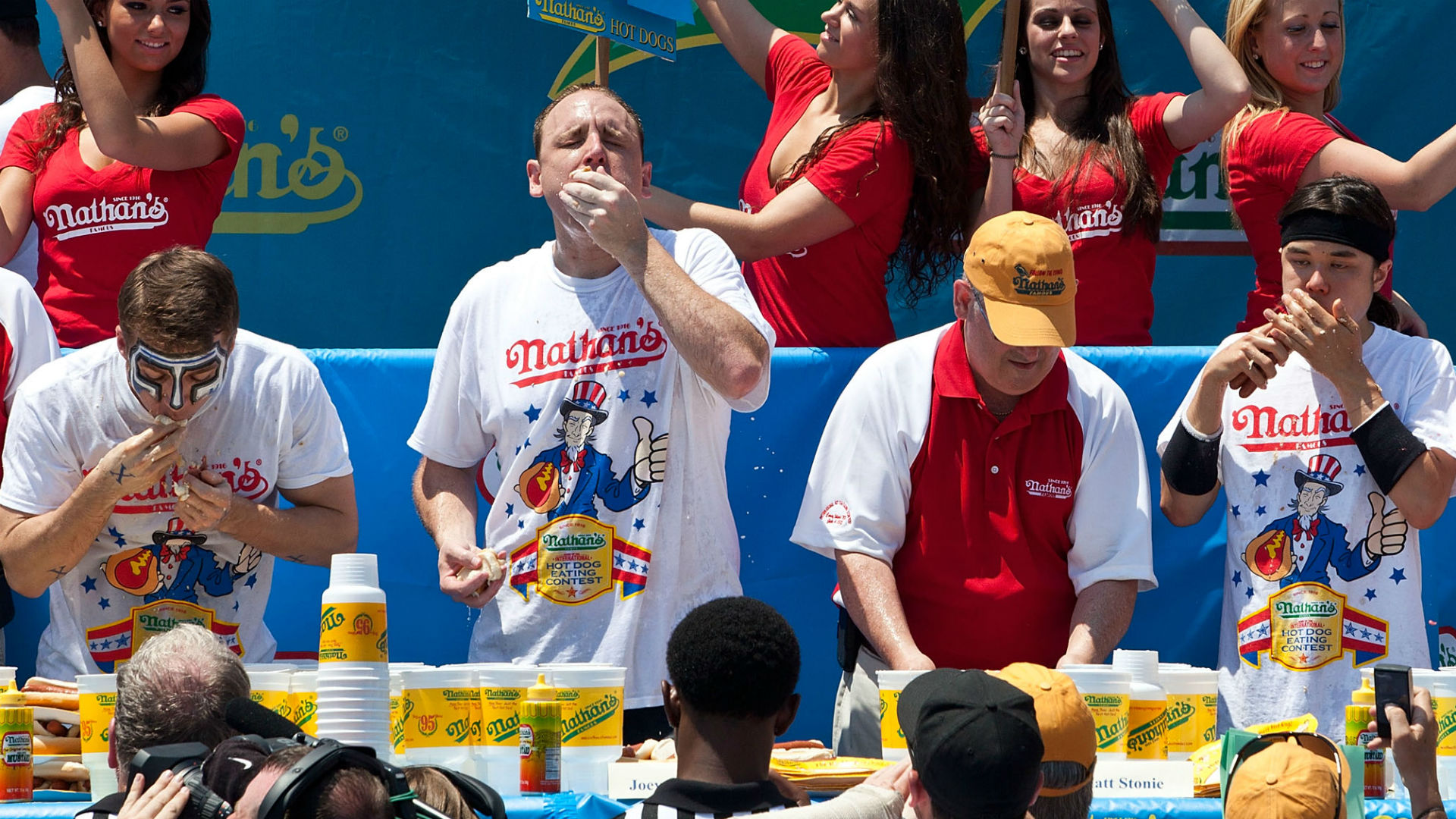 Curly's Frozen Custard Hosts Seventh Hot Dog Eating Contest