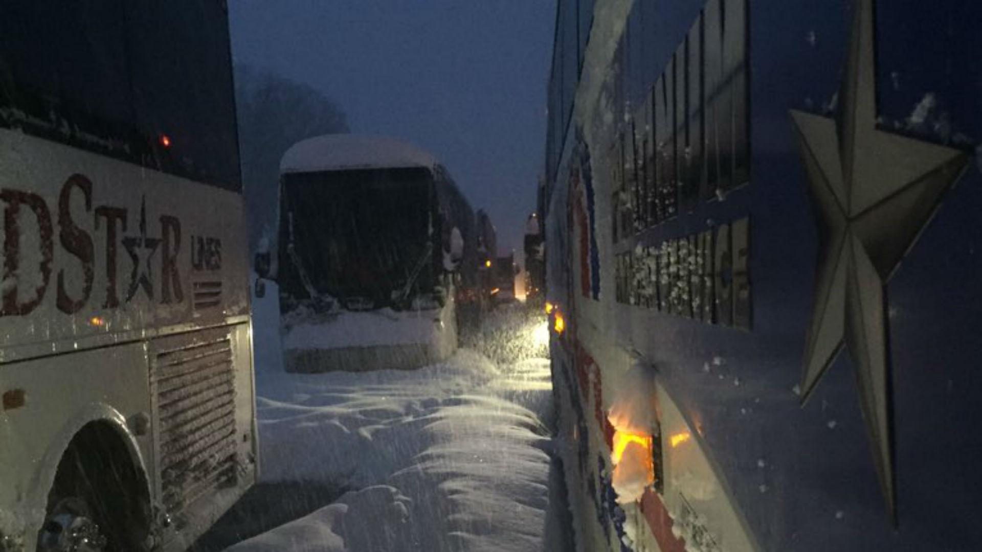 duquesne-bus-stuck-ftr-duquesne-012316