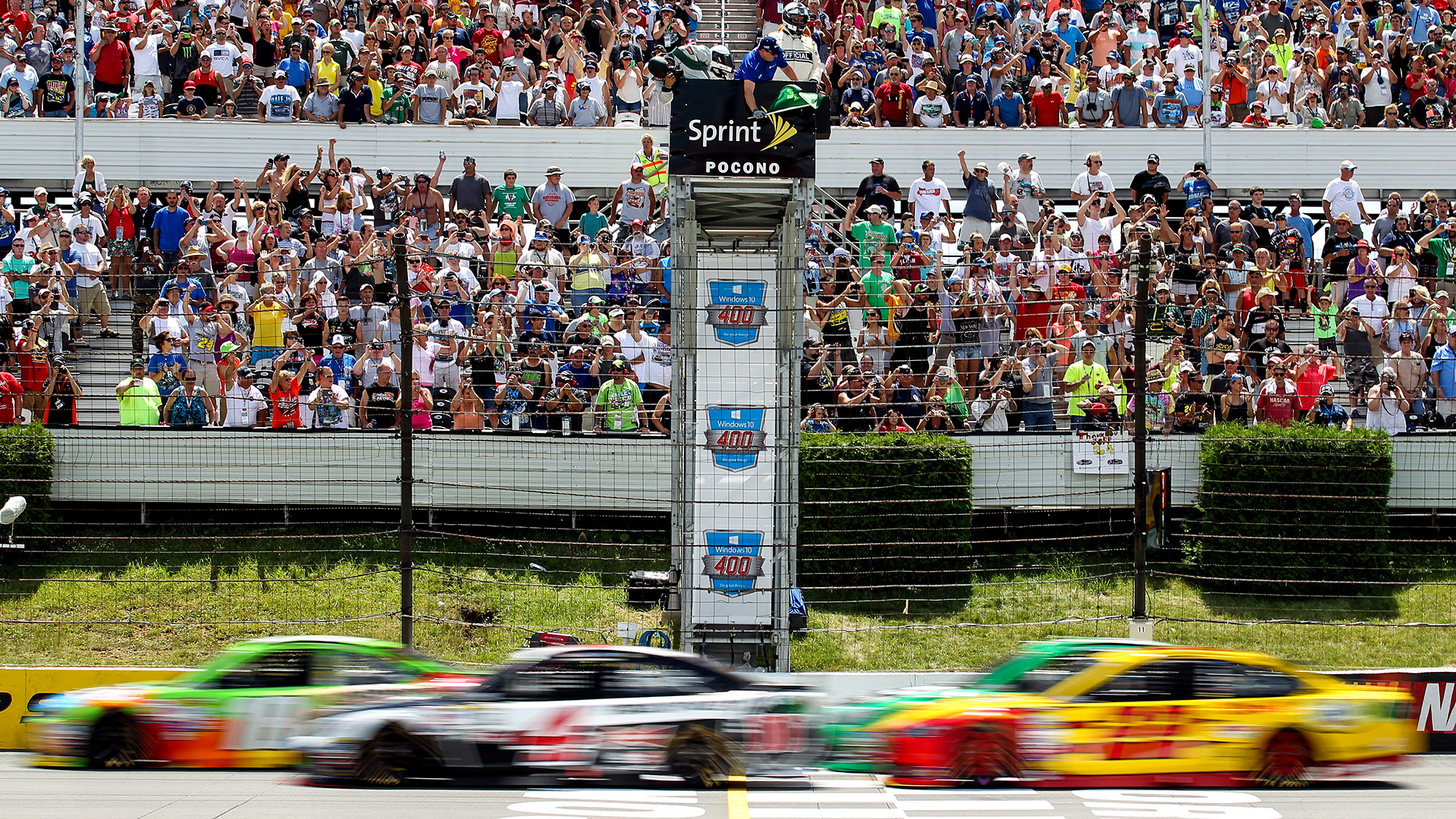 Must-see images from Windows 10 400 at Pocono