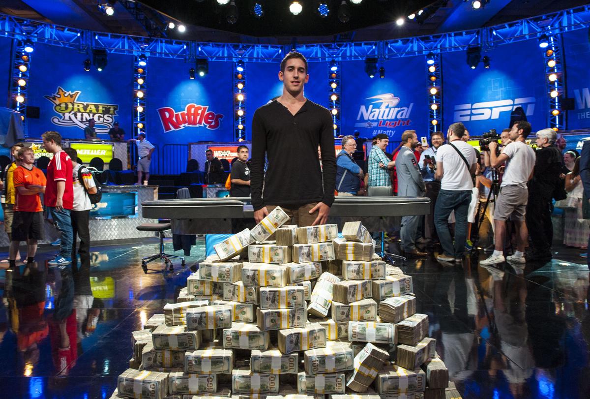 Biggest poker winners 2014 hauteur table poker