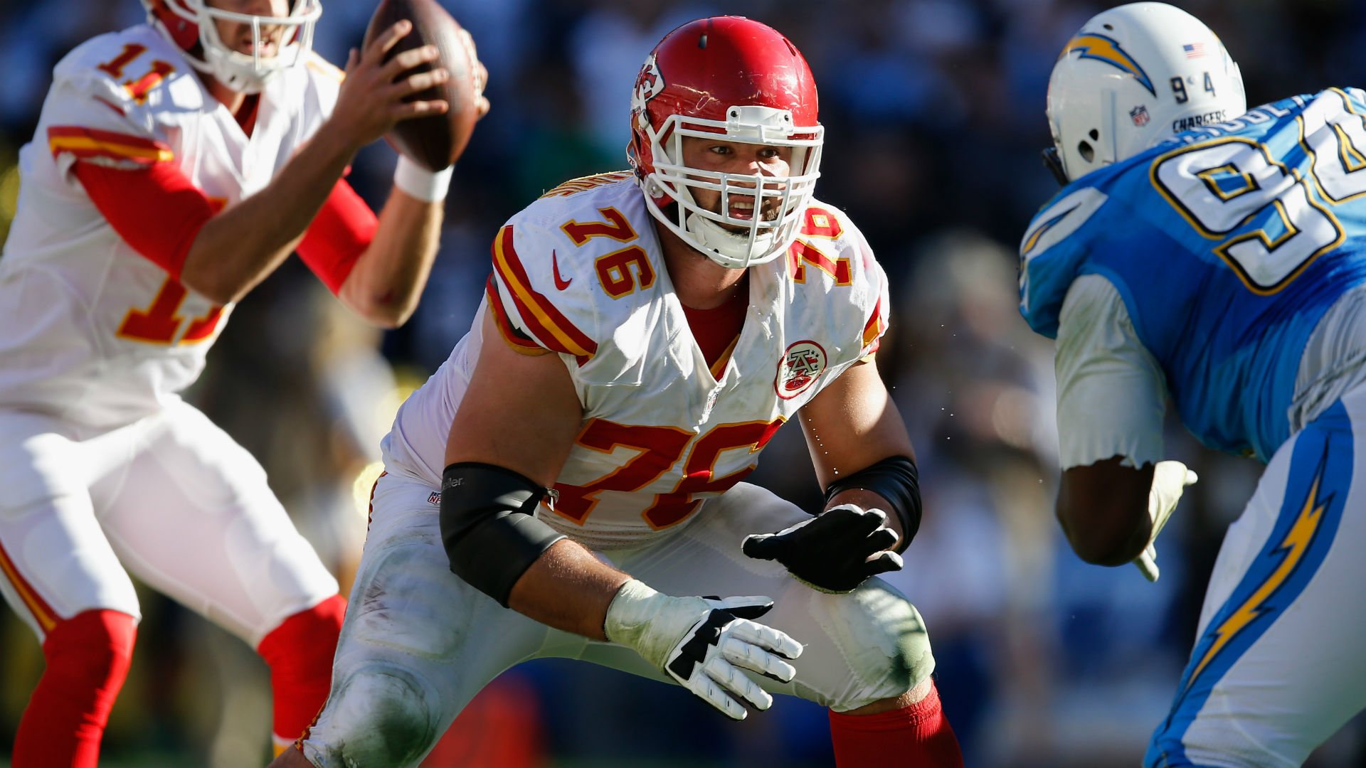 Chiefs lineman Laurent Duvernay-Tardif moonlights as journalist at Winter Olympics