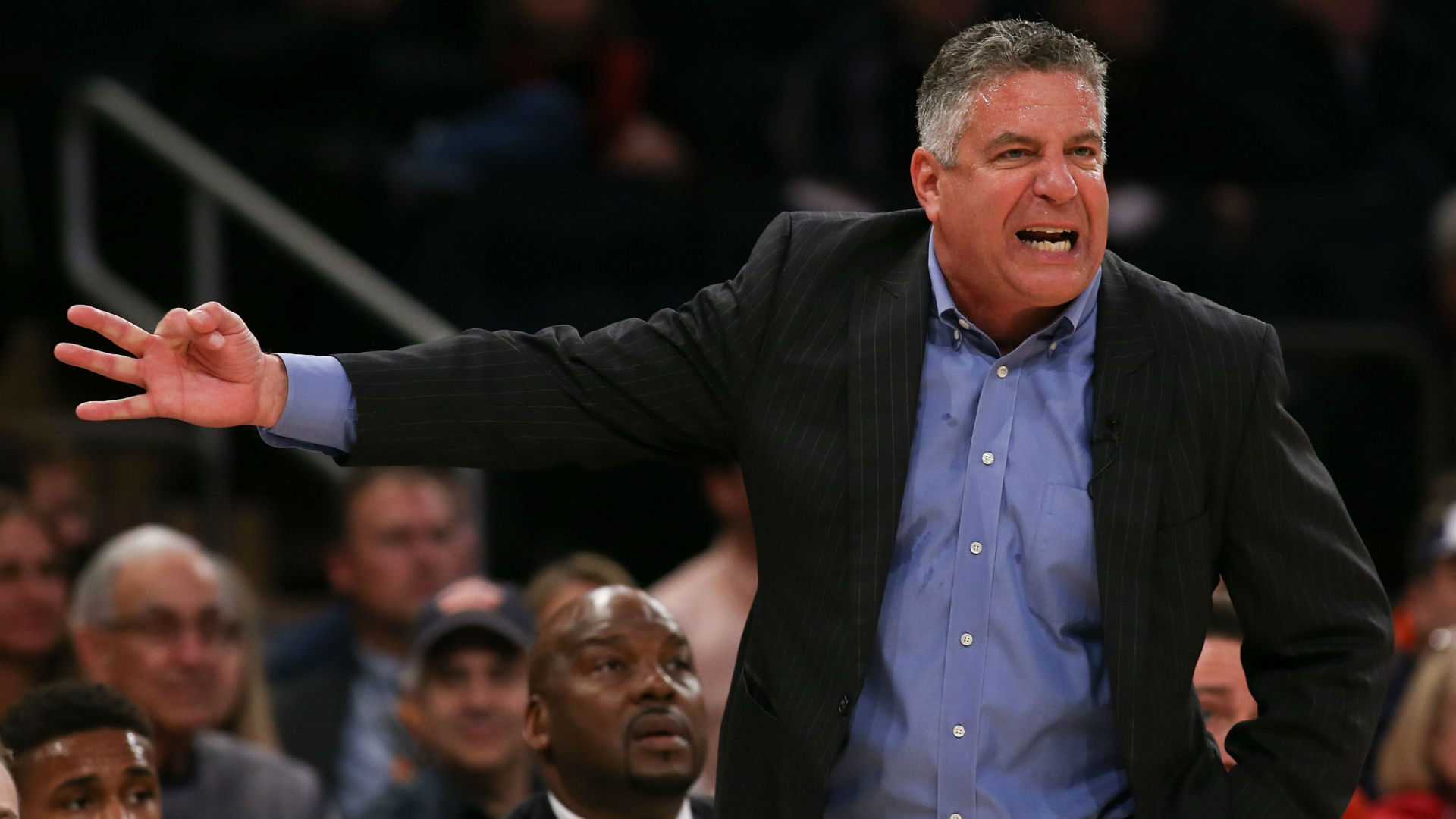 Auburn gives Coach Bruce Pearl a five-year contract extension