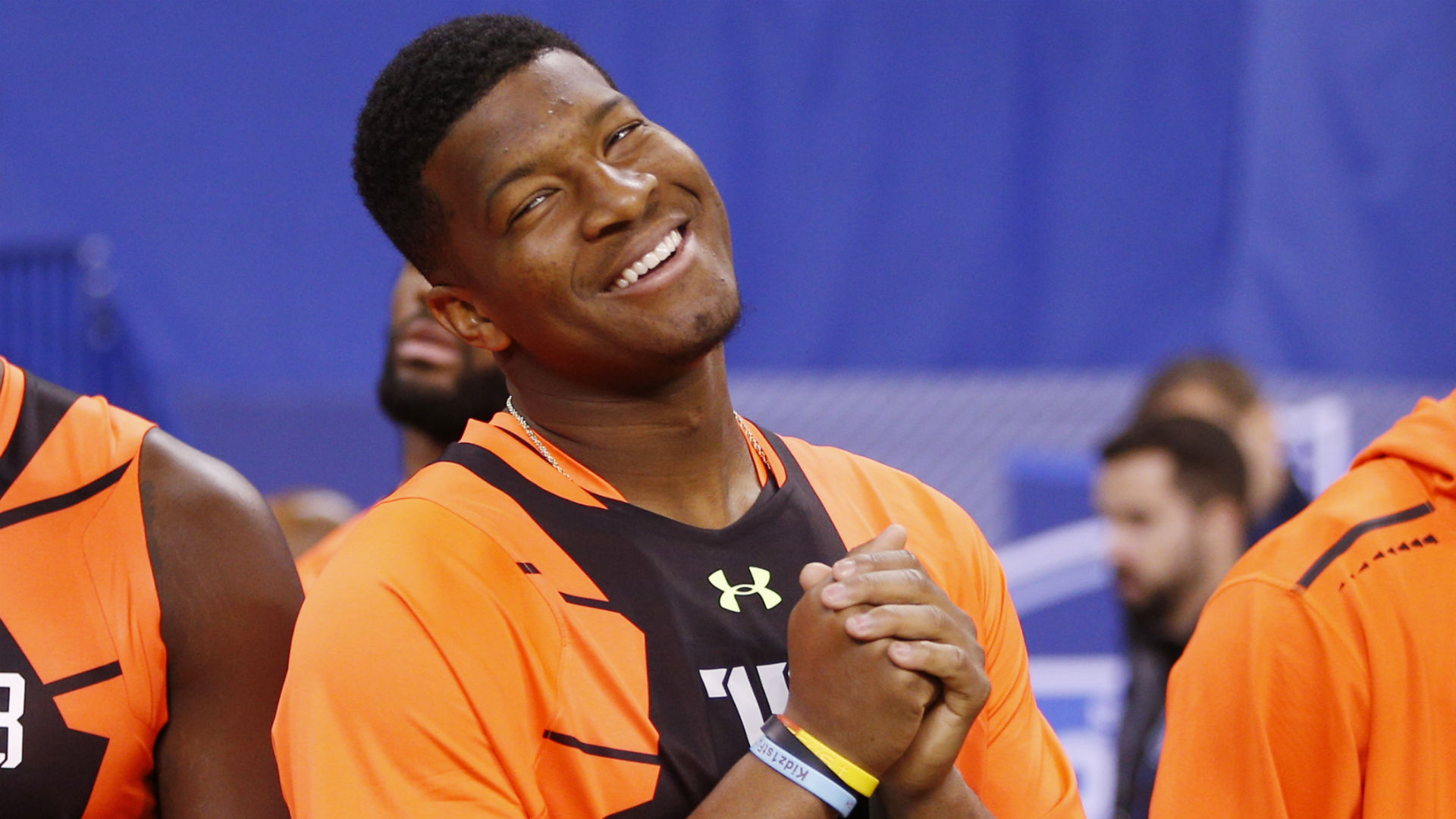 Tampa restaurant offers Jameis Winston free crab legs for life