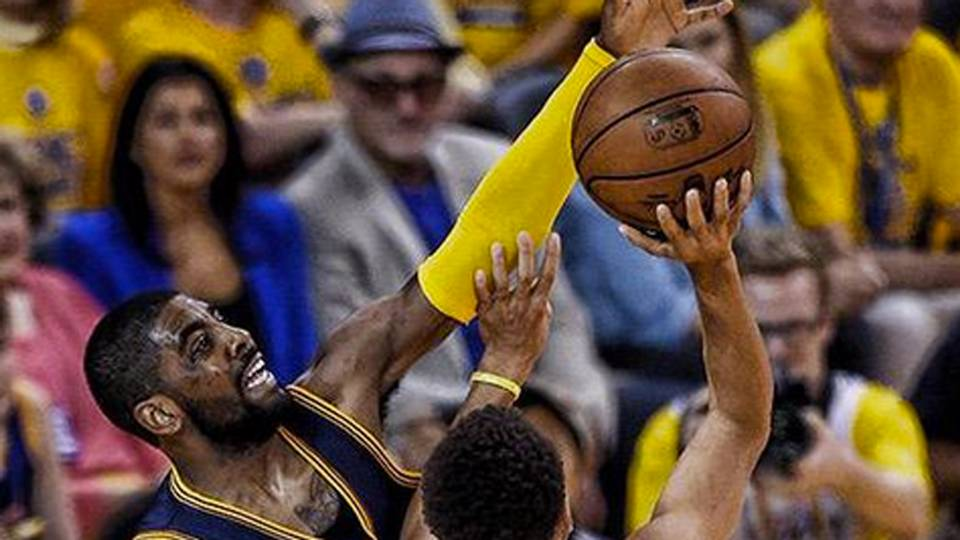 Kyrie Irving Blocks Stephen Curry