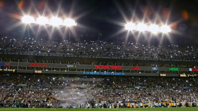 Super Bowl kickoff flashbulb-072716-GETTY-FTR.jpg