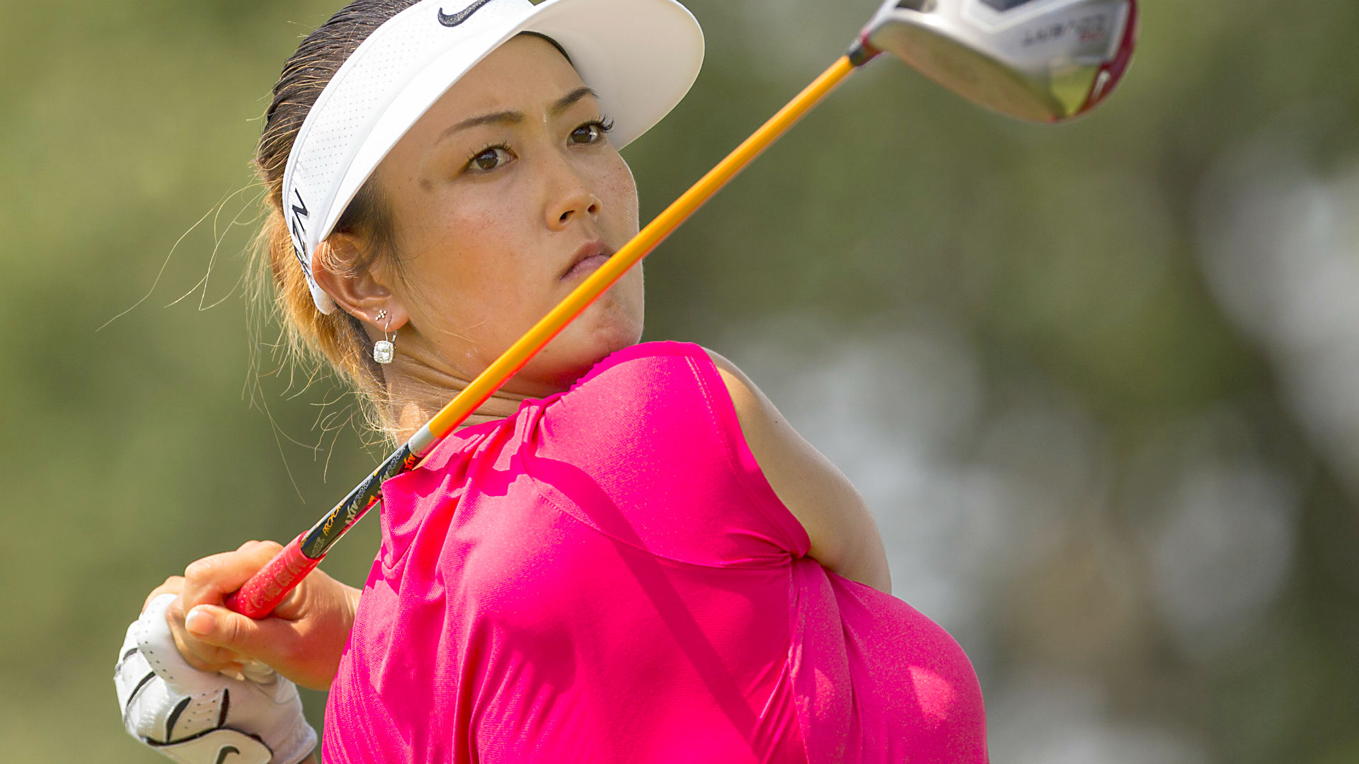 Alex leads LPGA event by one after first round in Ottawa