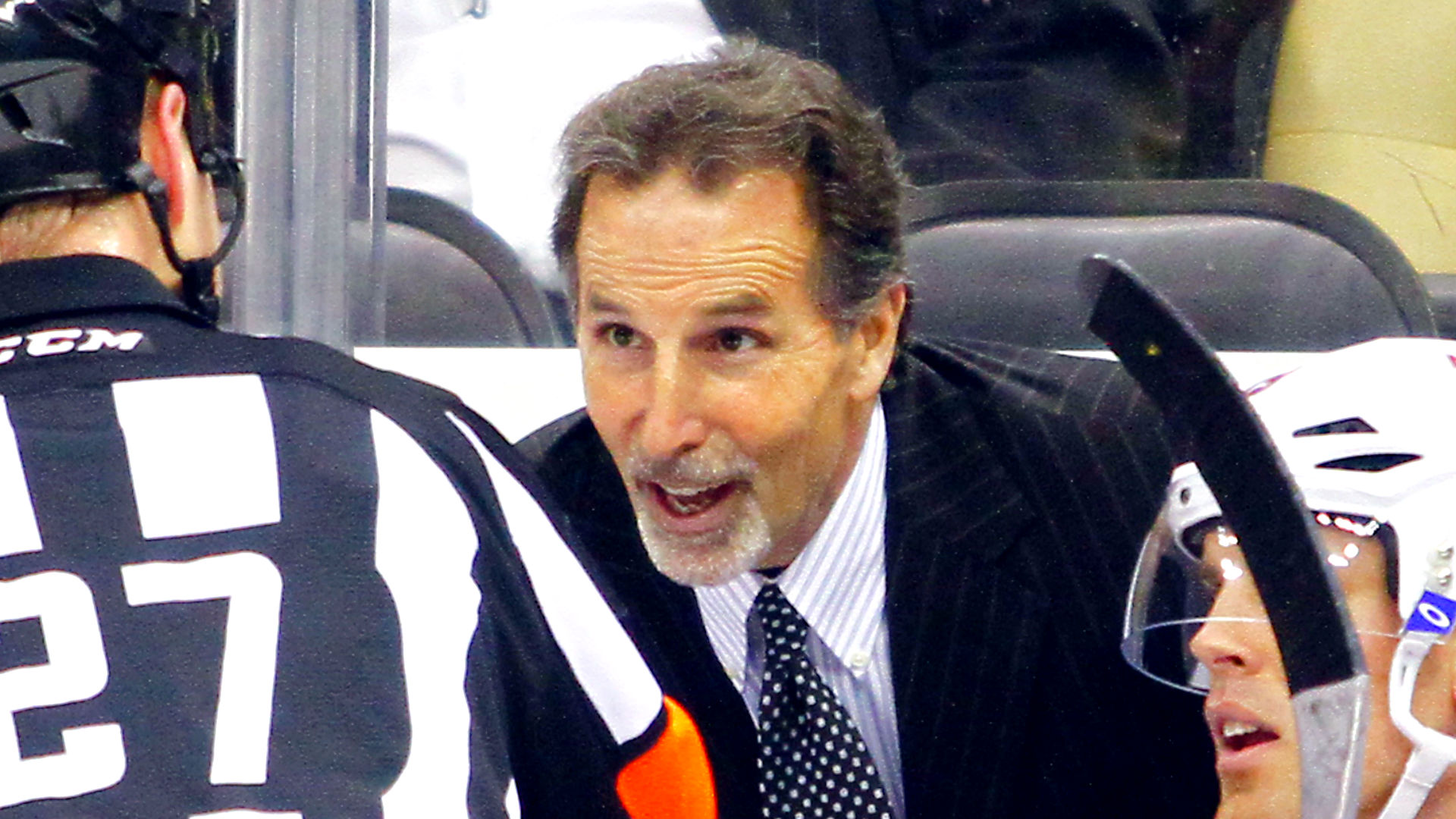 NHL playoffs 2019: Blue Jackets coach John Tortorella hit with fans' beer during goal celebrations, doesn't care