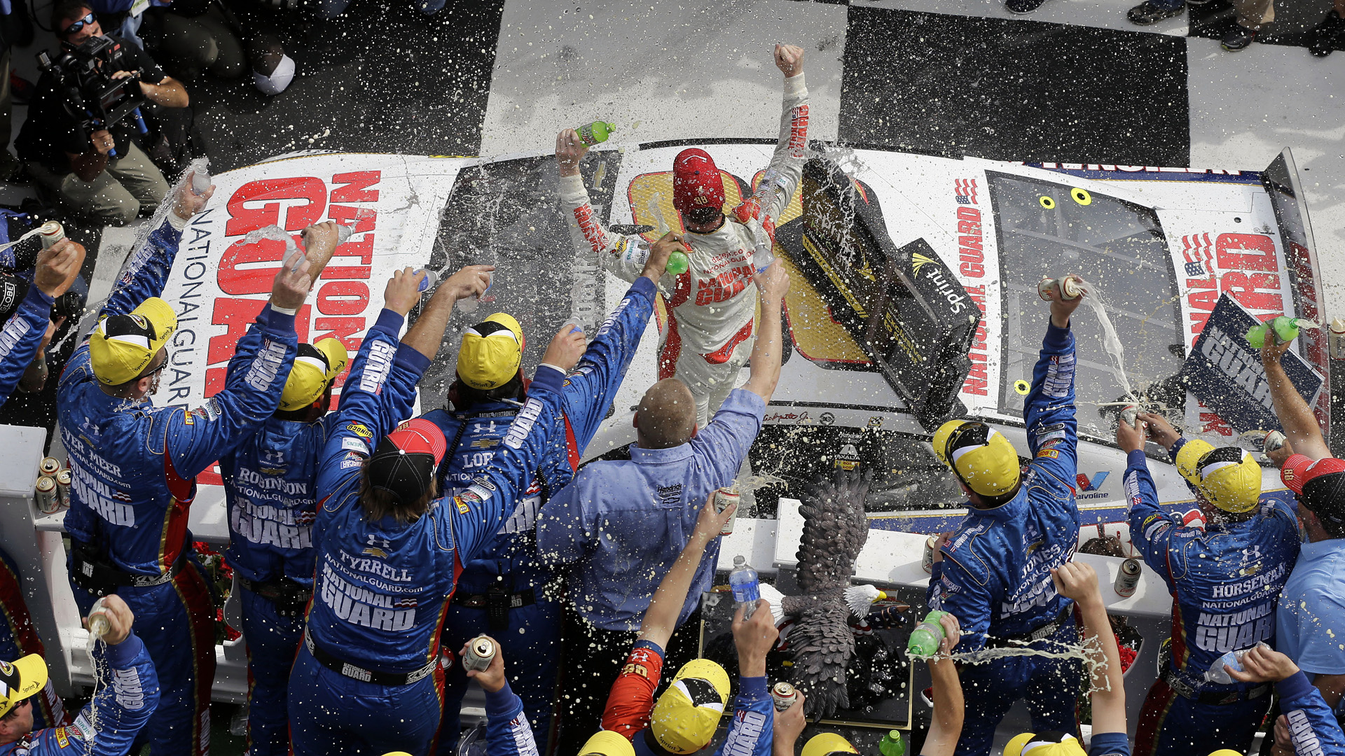 Dale Earnhardt Jr team-060814-AP-FTR.jpg