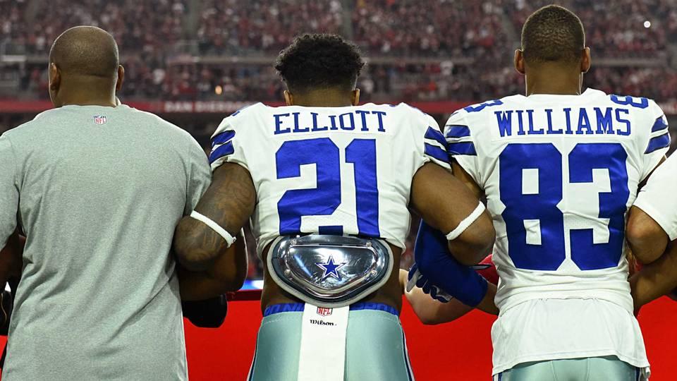Ezekiel Elliott joins Dak Prescott in supporting Jerry Jones' anthem policy for Cowboys