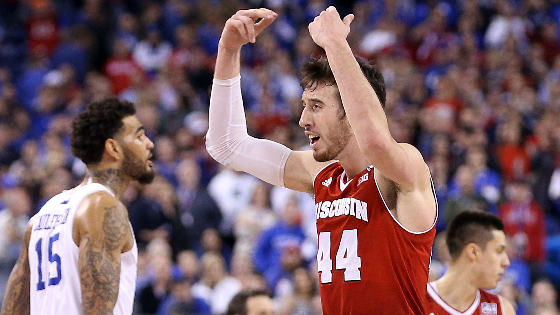 Wynn opens Wisconsin the favorite in national title game vs. Duke