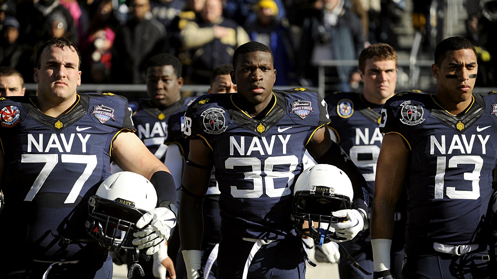 navy-midshipmen-12-30-13-AP-FTR
