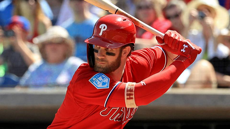 Bryce Harper booed heavily, strikes out in first at-bat back in Washington