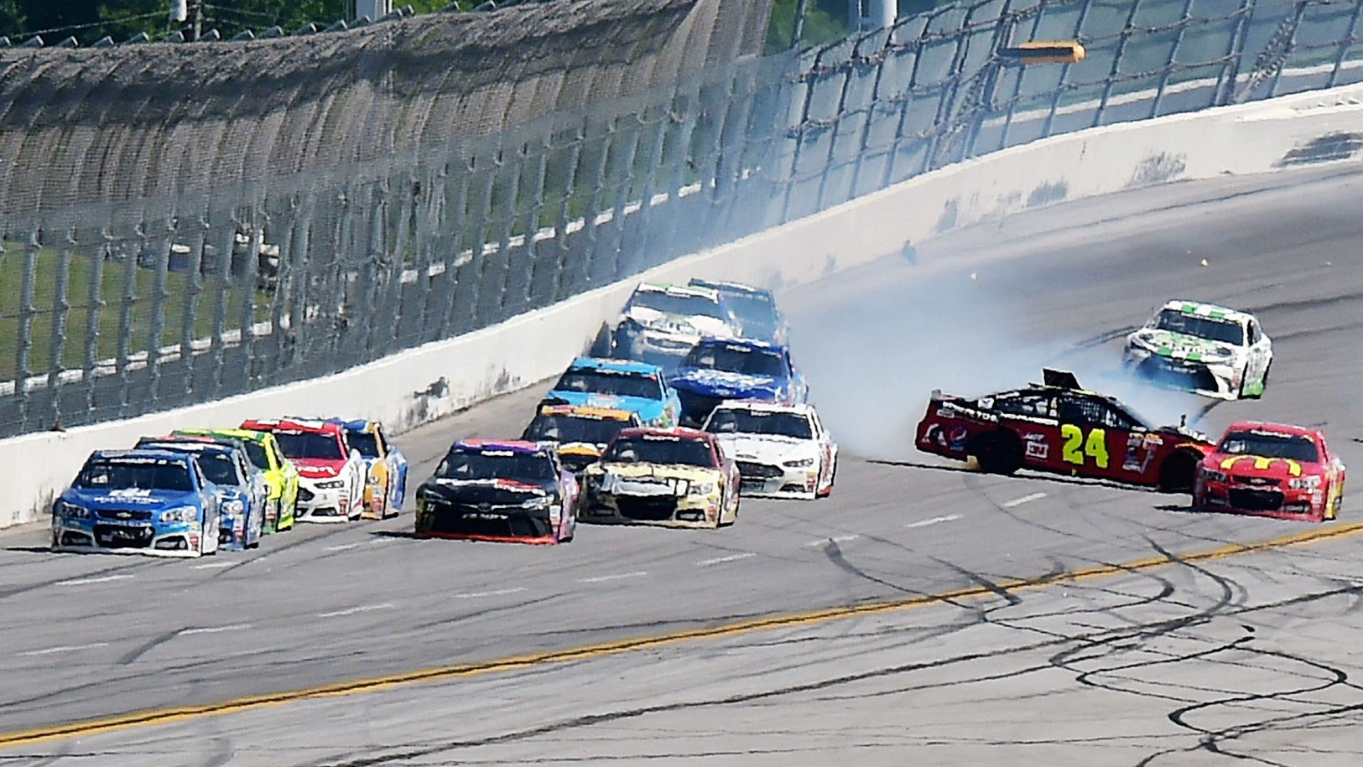 Jeff Gordon disappointed with latest pit road mistake, this time at Talladega