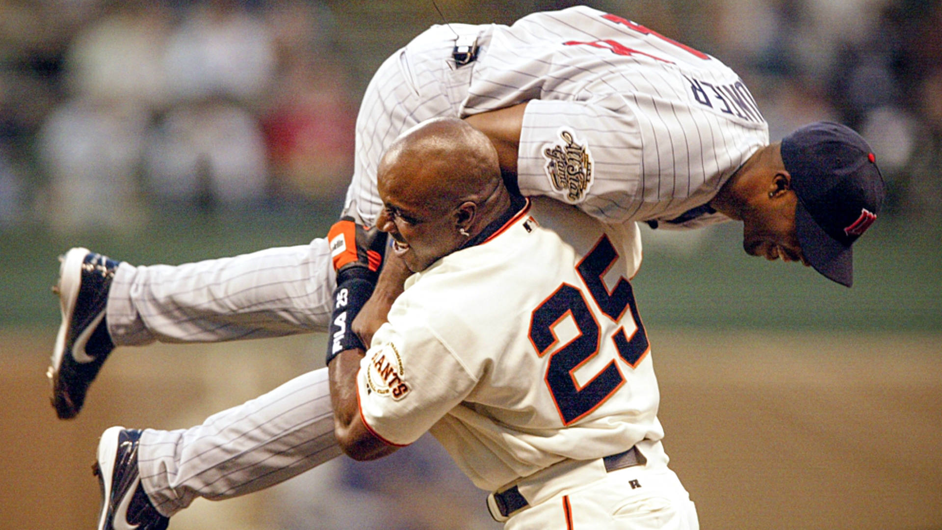 Bonds-hunter-2002-getty-ftr-071016jpg_8kx8s10gpi2j1n5pi21jijf98