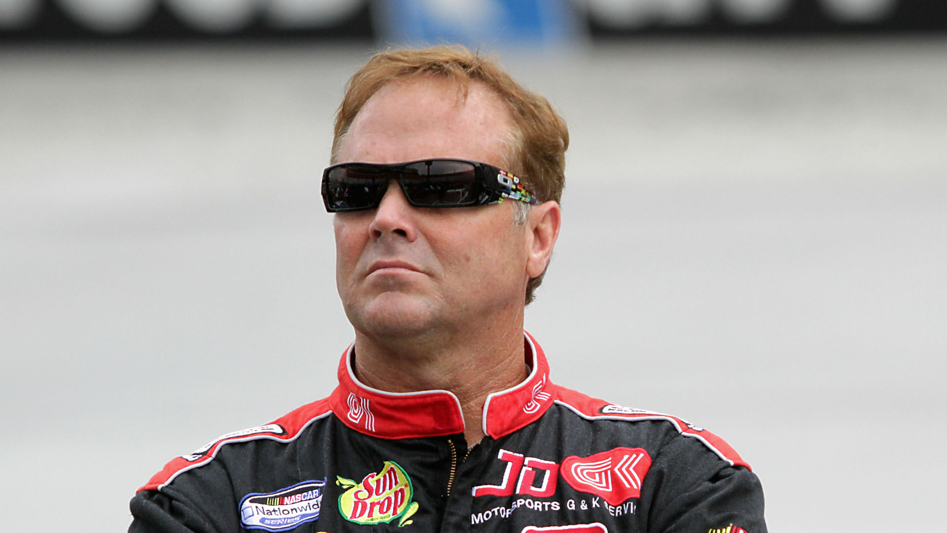 Mike Wallace (racing driver) Veteran NASCAR driver Mike Wallace allegedly attacked beaten after