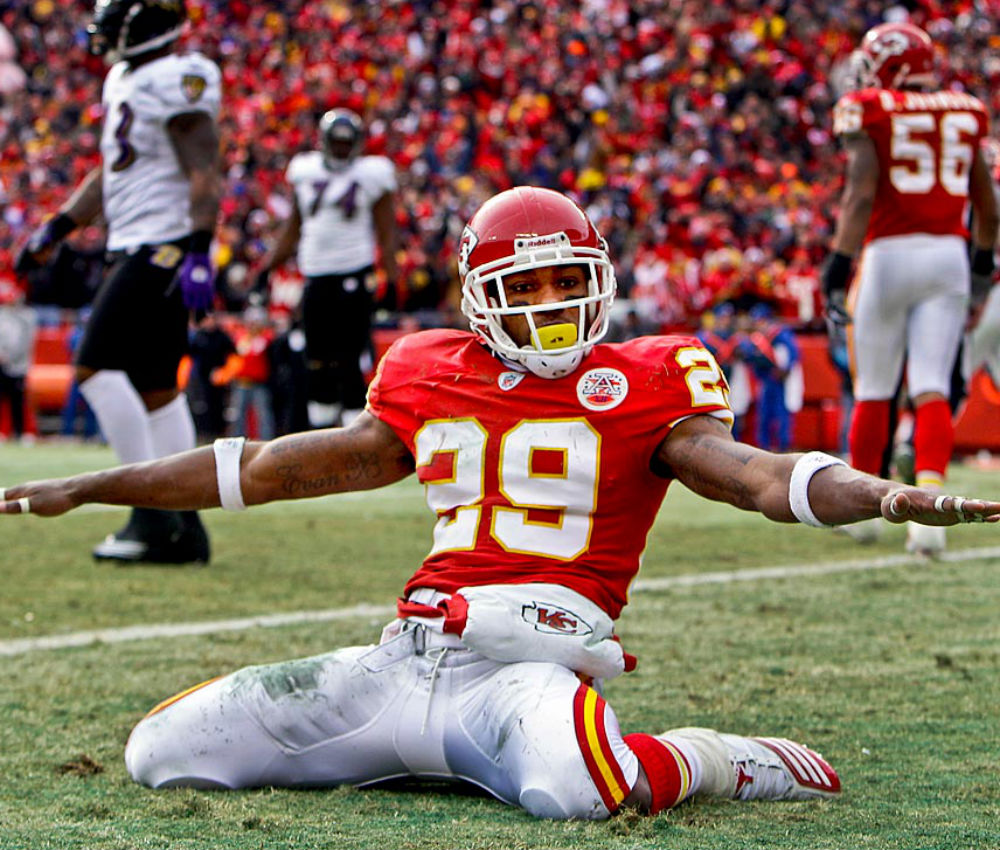 Chiefs' Eric Berry cancer-free, cleared to practice