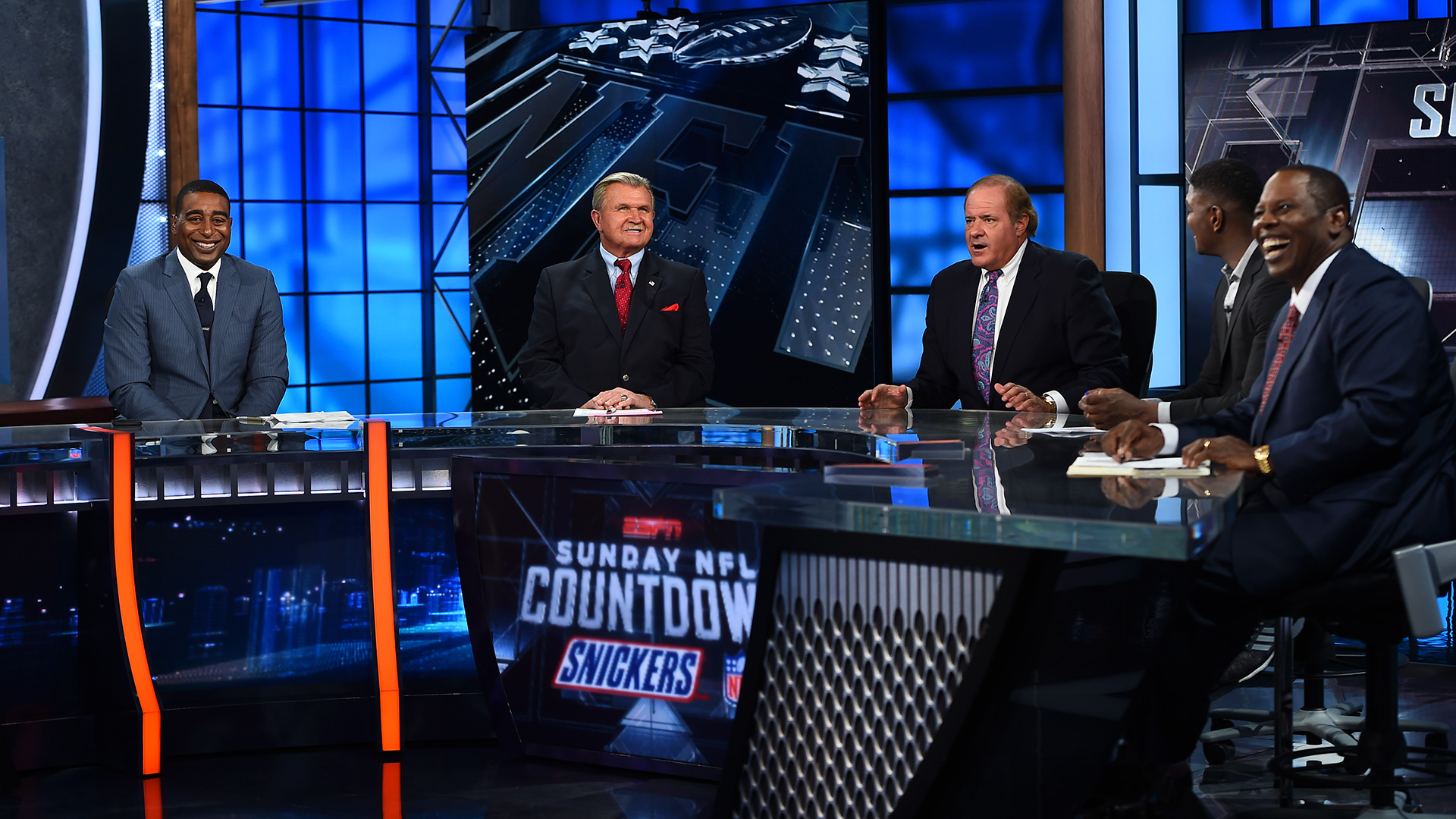 NFL-ANNOUNCERS-Sunday-NFL-Countdown-011416-ESPN-FTR.jpg