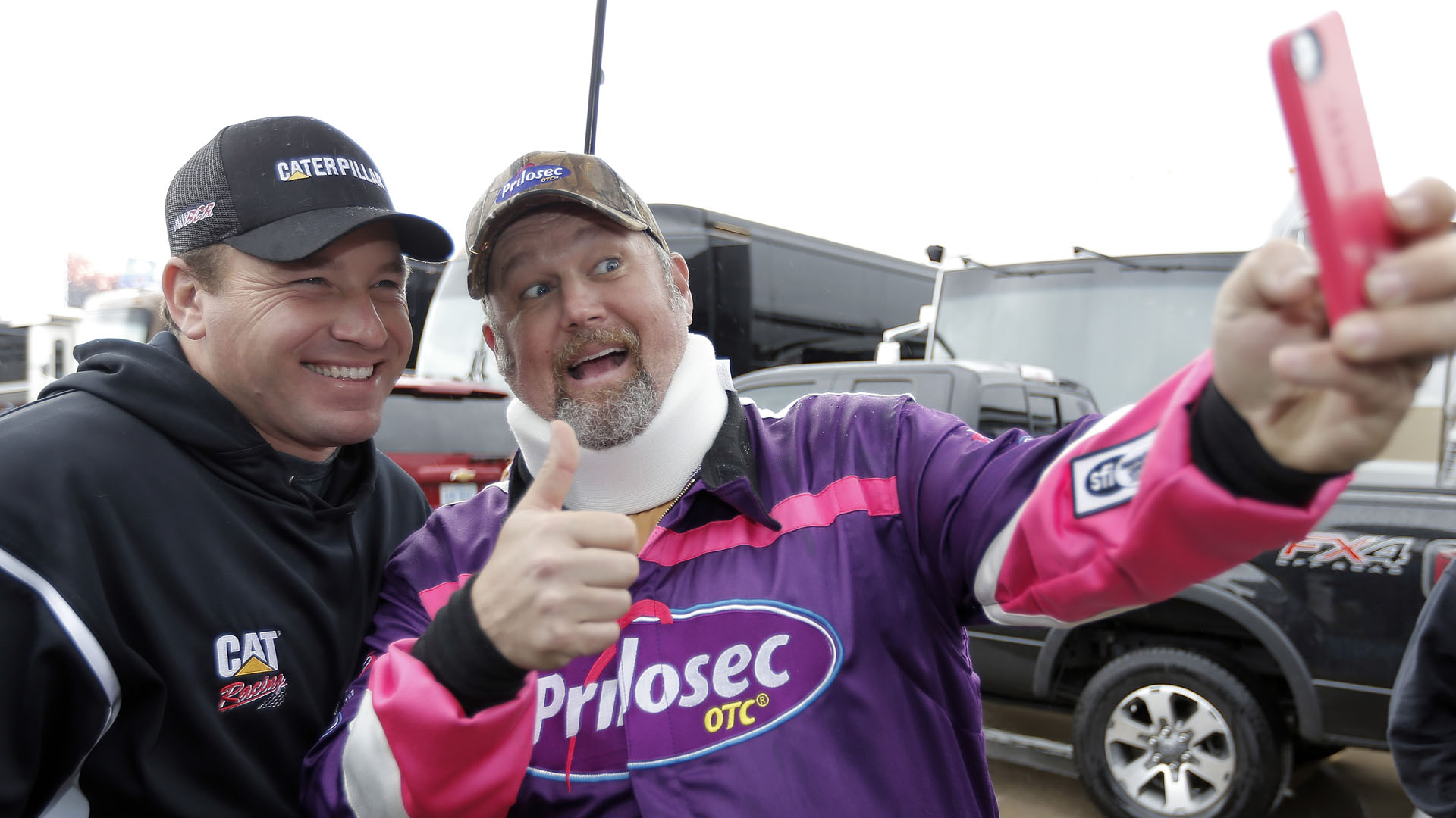 Ryan Newman-Larry Cable Guy-AP-FTR.jpg