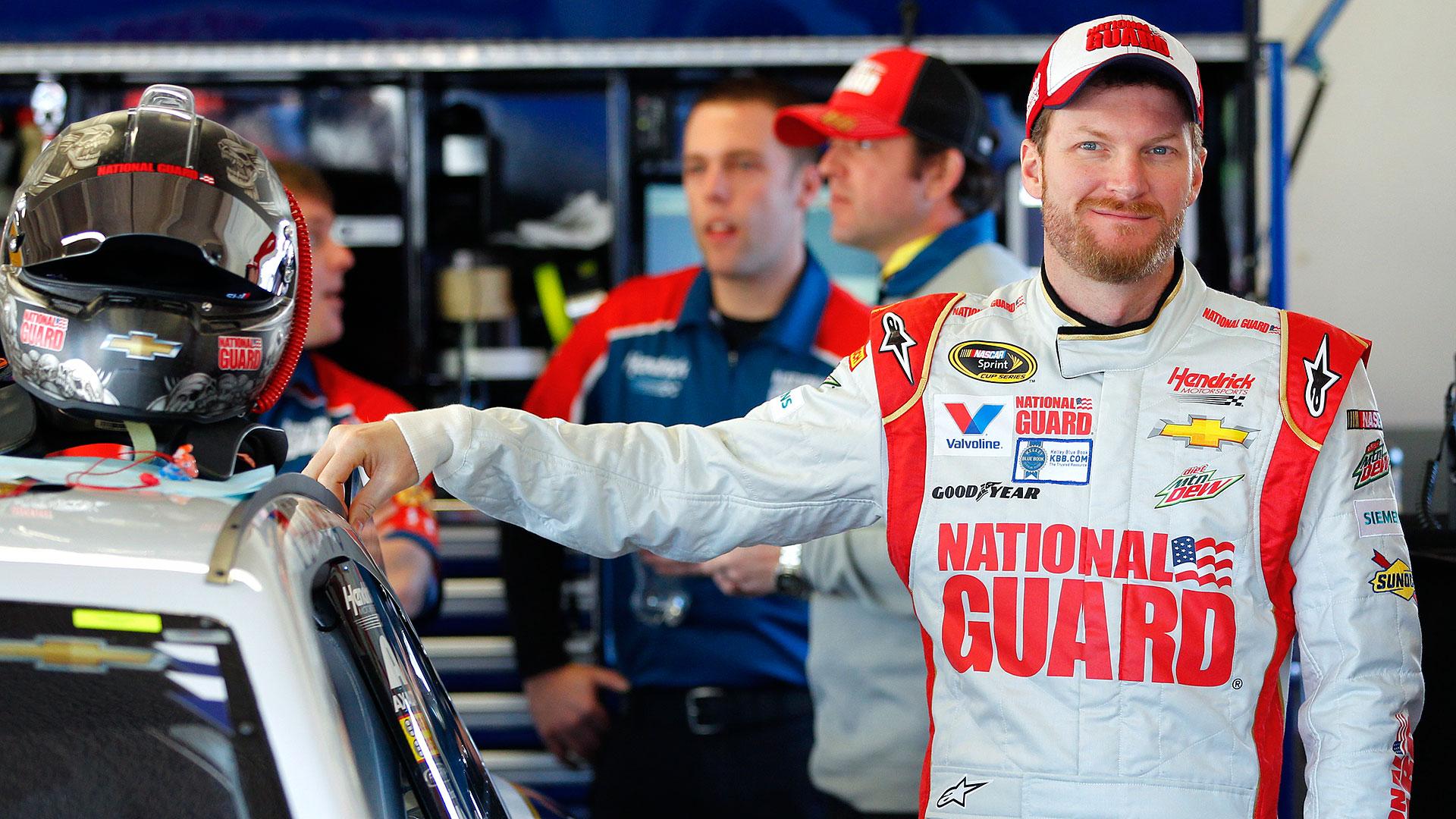 NASCAR-Earnhardt11-040114-AP-FTR