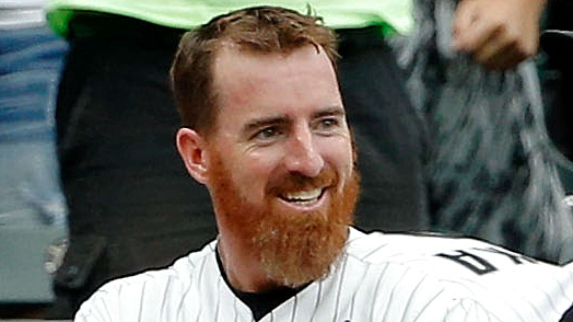 Family of pitchers: Adam LaRoche tosses perfect inning for White Sox