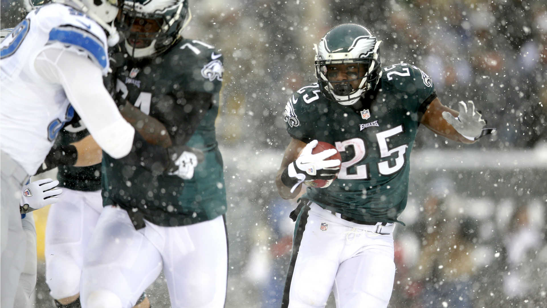 Fantasy football rankings: Top 25 RBs for Week 16