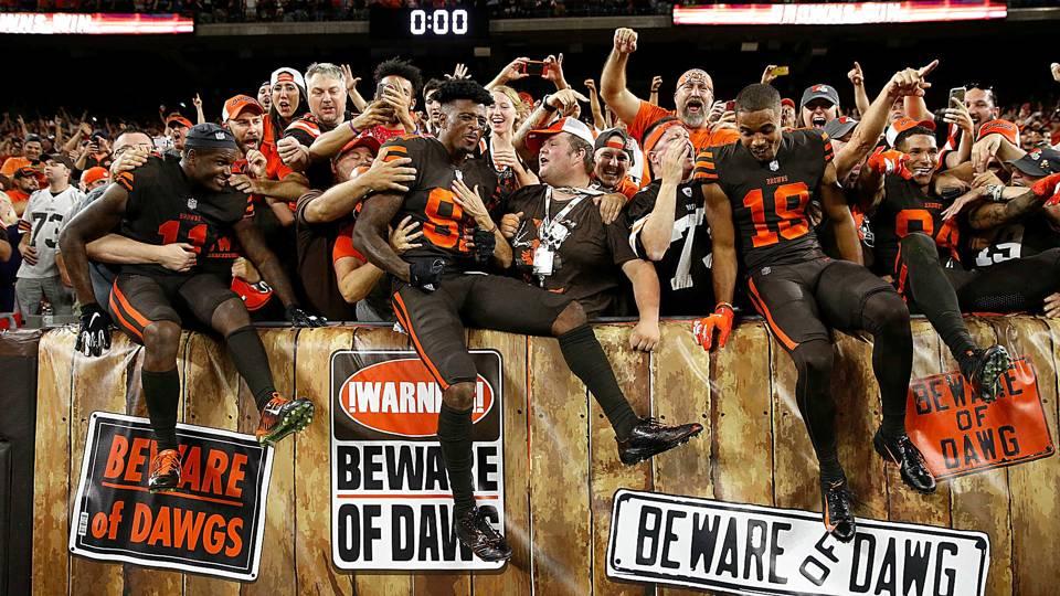 Browns-win-dawg-pound-092118-Getty-FTR.jpg