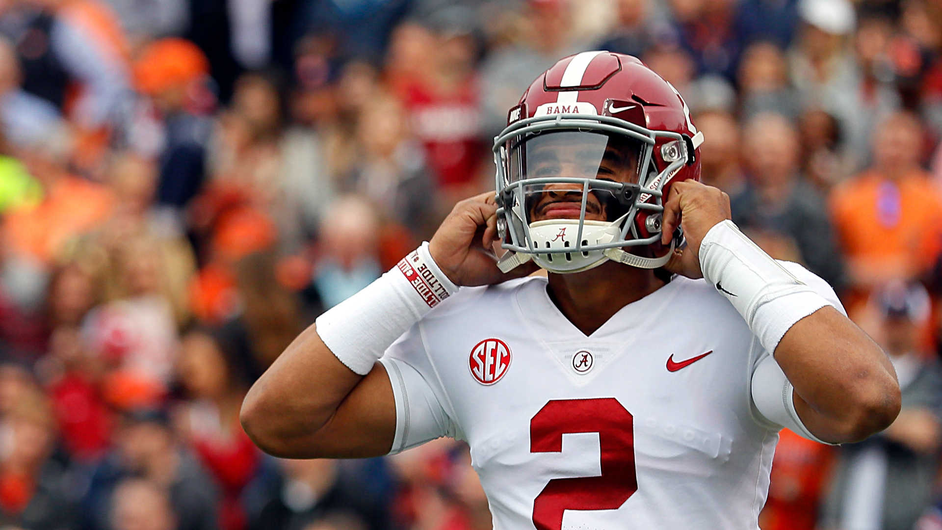 Alabama's Jalen Hurts pays up for Charles Barkley bet