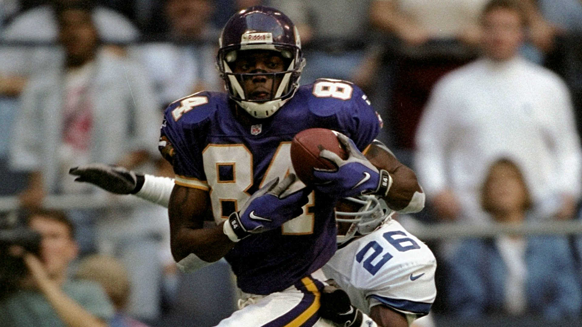 Randy-moss-vikings-112117-getty-ftr_1pueeiqc0tdsf1mhnhcye109g0