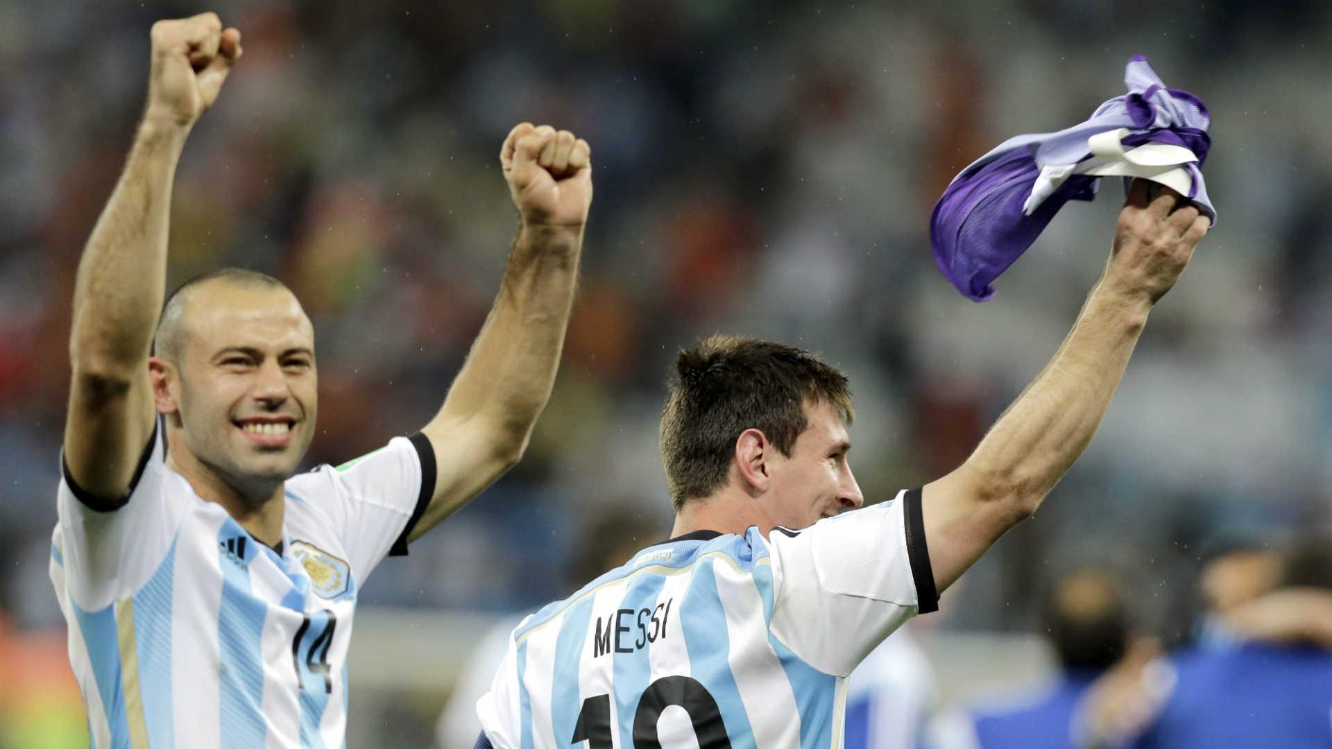 Javier Mascherano-Lionel Messi-071014-AP-FTR.jpg