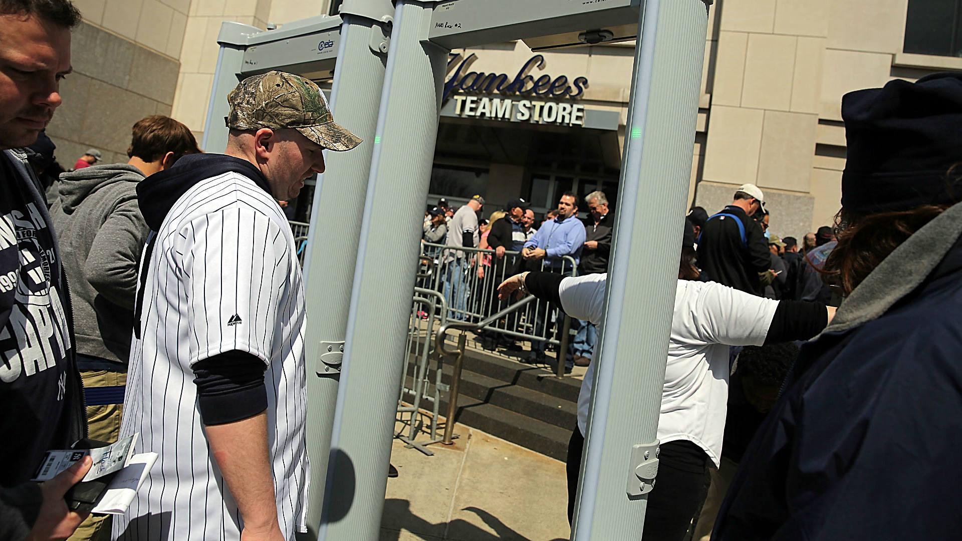 Metal-detectors-yankee-stadium-baseball-FTR-Getty.jpg
