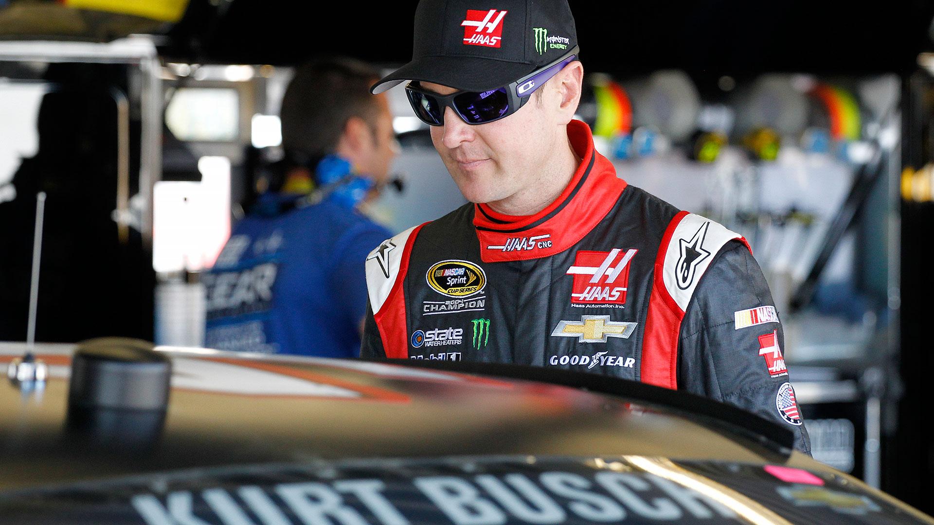 NASCAR-KurtBusch10-040114-AP-FTR