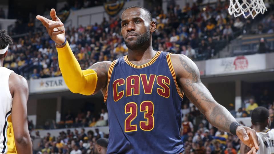 LeBron James上一次在季後賽首輪輸球的時候,NBA是怎樣的?