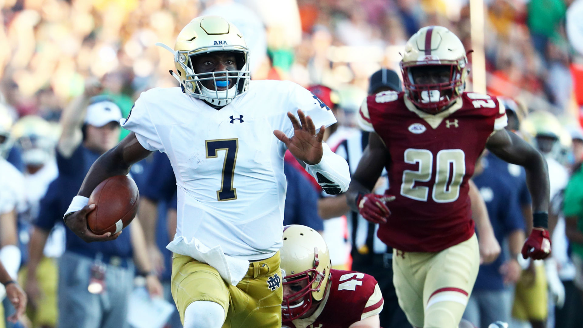 Notre Dame QB Brandon Wimbush in walking boot with right foot injury