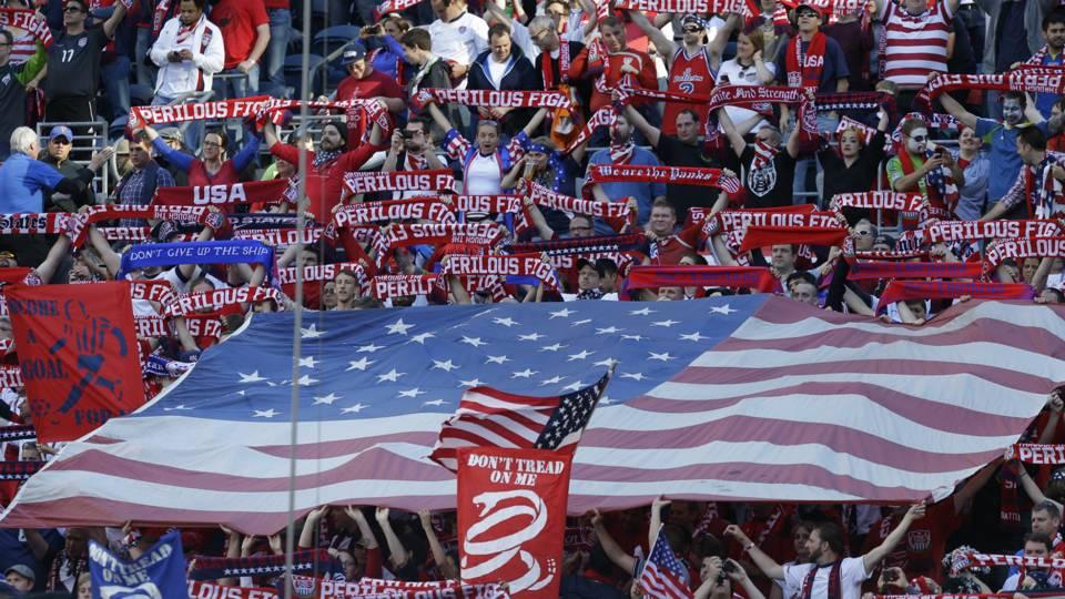 USA-Fans-6-12-14-AP-FTR