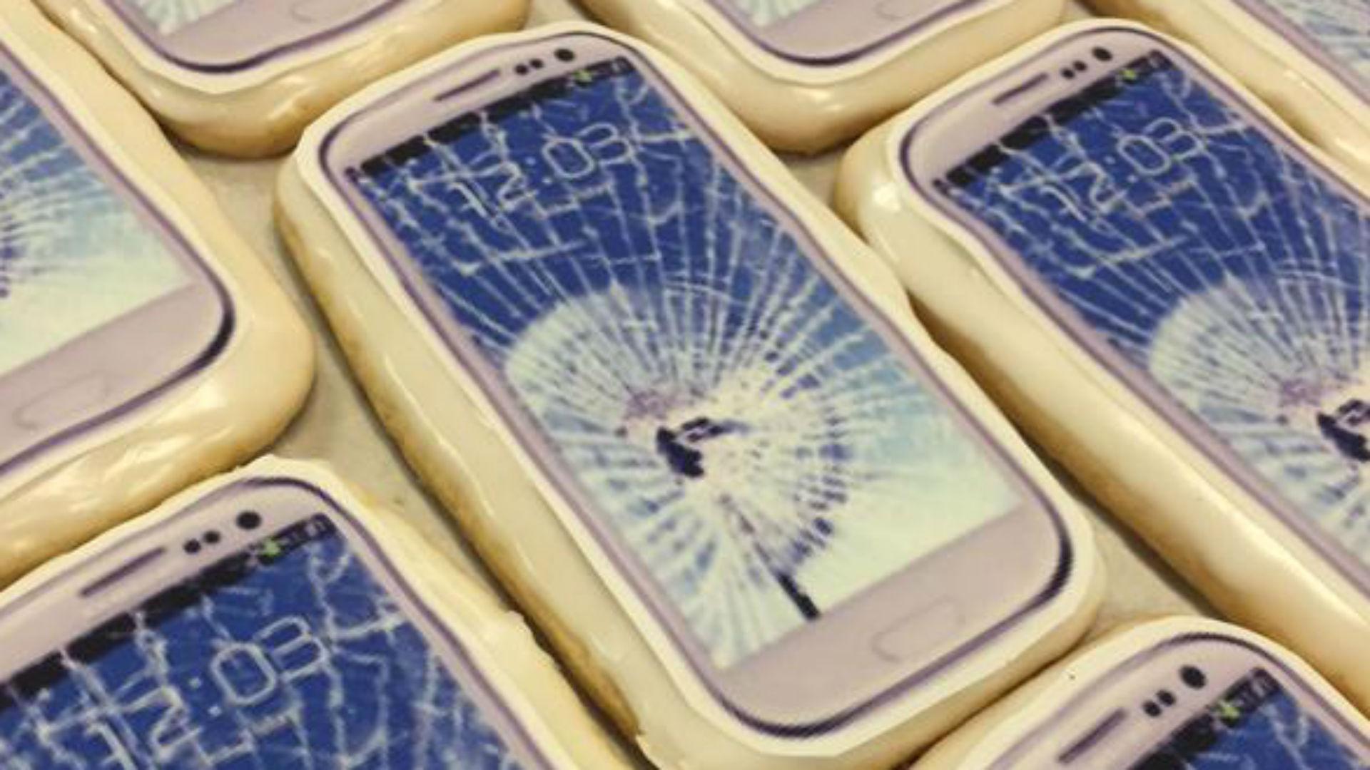 cell-phone-cookie-ftr-101615.jpg