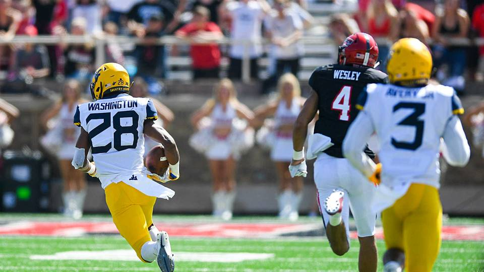 West Virginia S Offense Shows Out But It S Defense That Saves