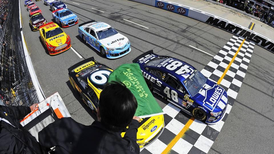 NASCAR qualifying-12214-AP-FTR.jpg