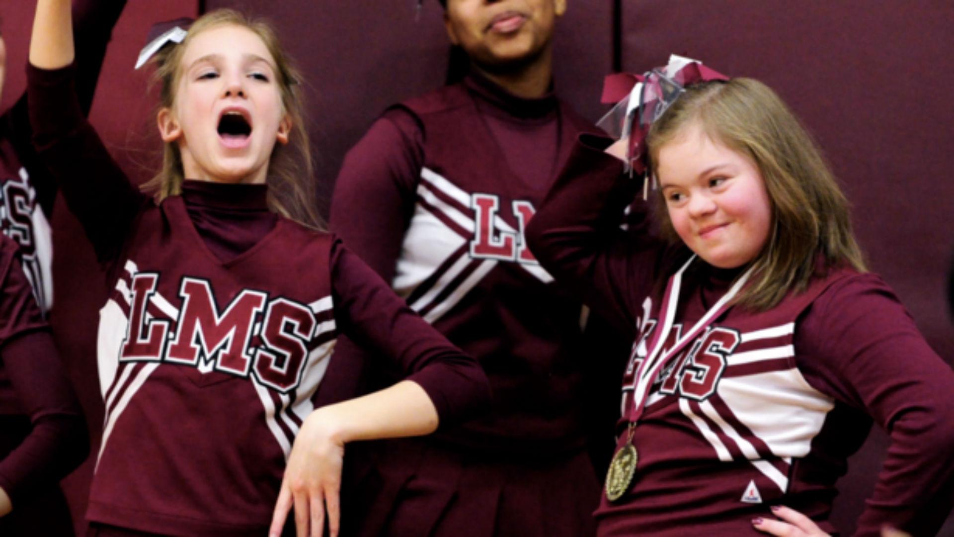 cheerleader-ftr-03121.jpg