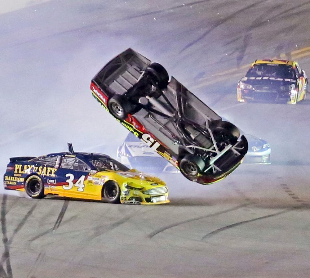 Daytona Wreck-022014-AP-DL.jpg