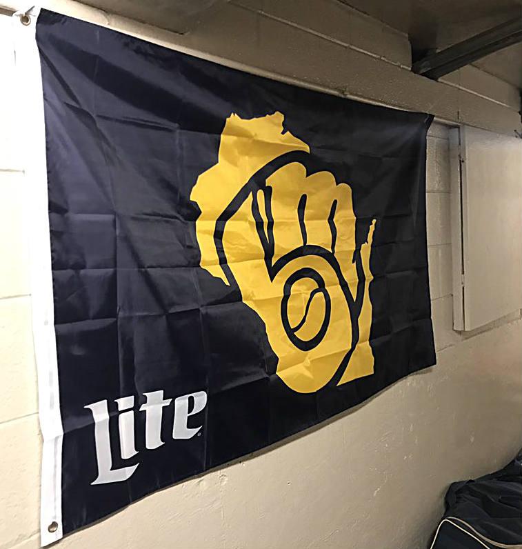 Brewers-flag-JW-091117.jpg