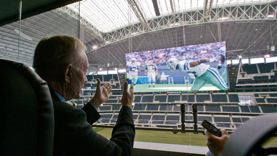 Jerry Jones-022614-AP-FTR.jpg