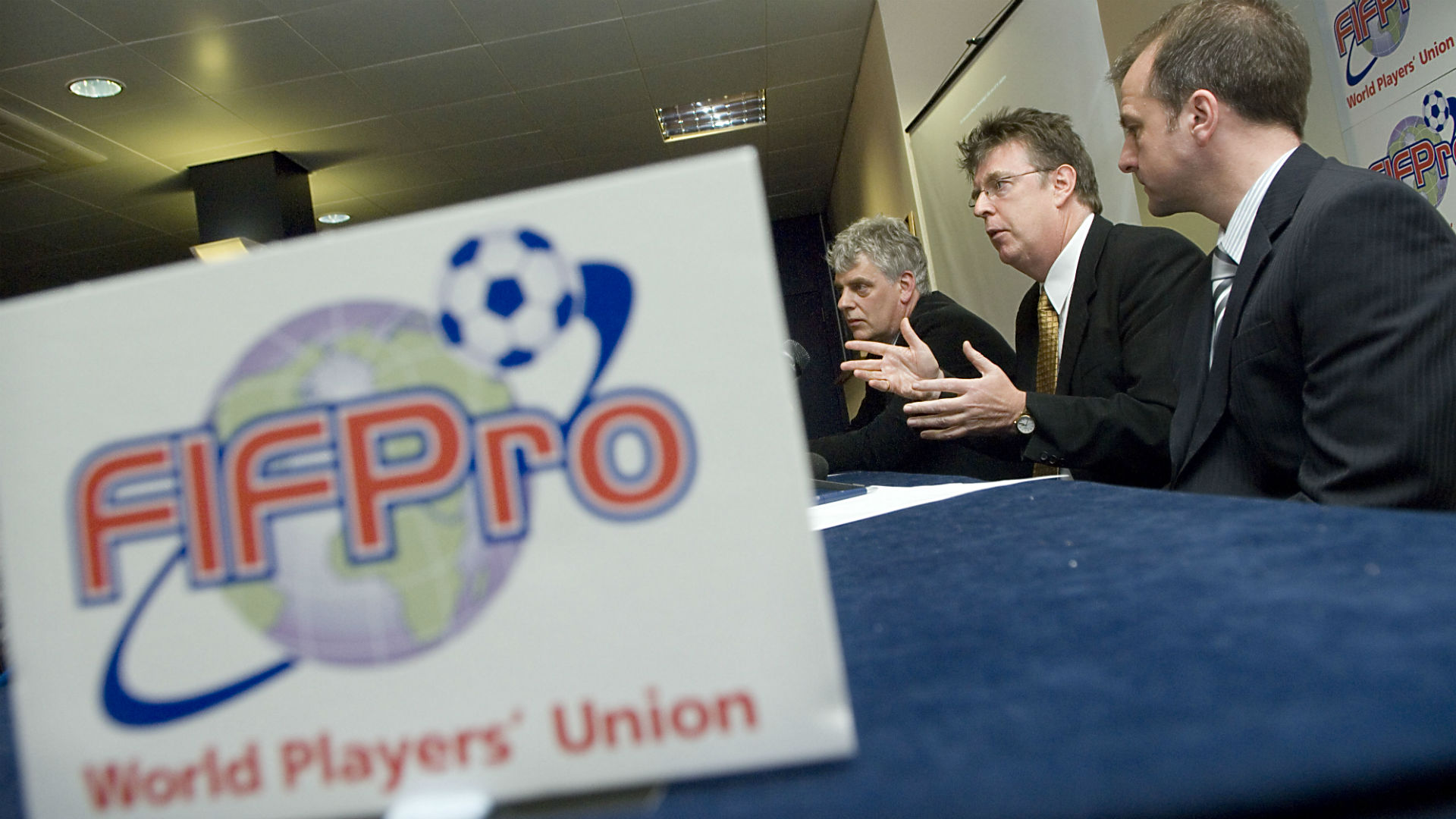 FIFPro players' union opens doors to women's membership