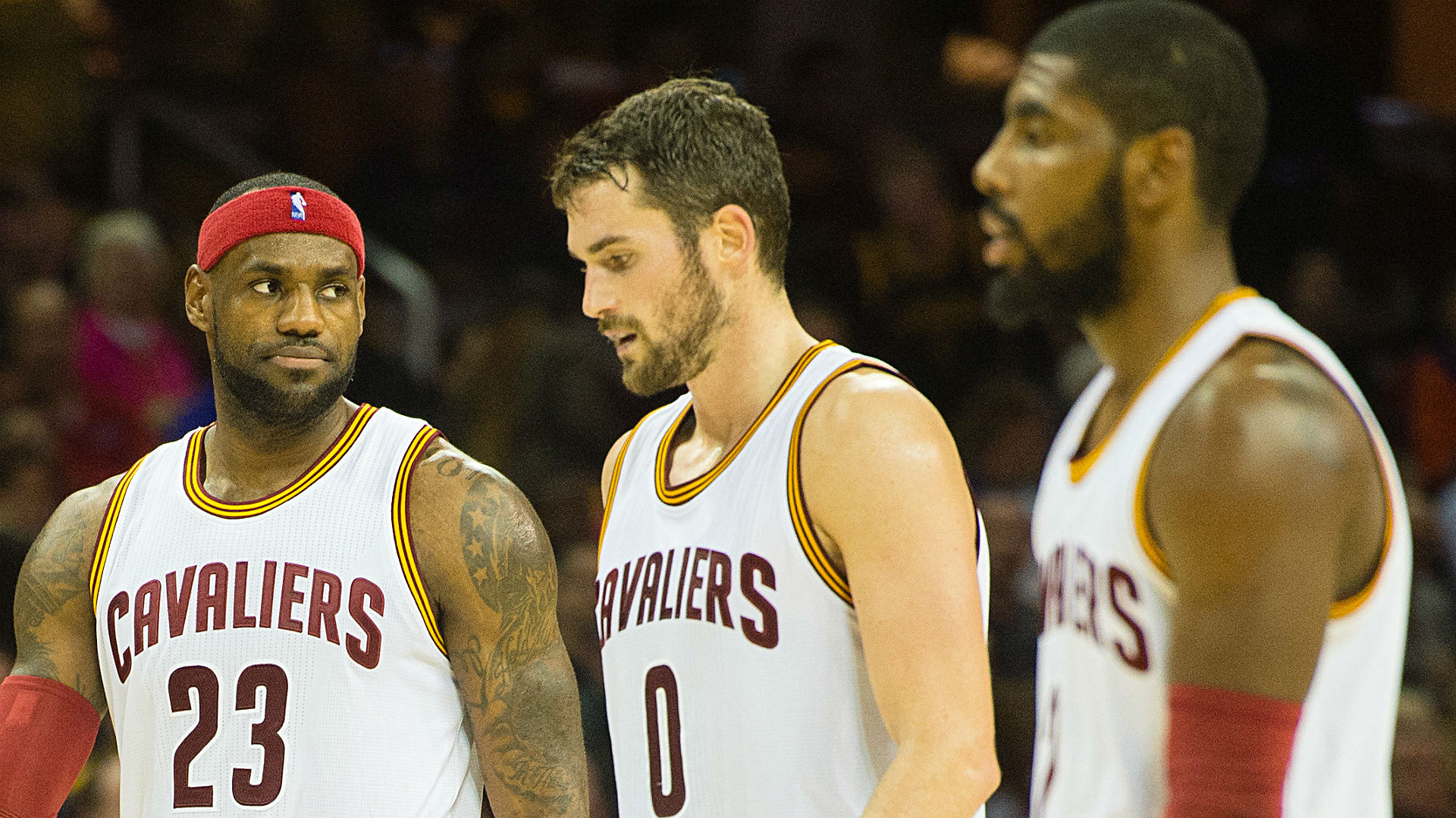 Cavaliers early favorites for 2015-16 NBA title