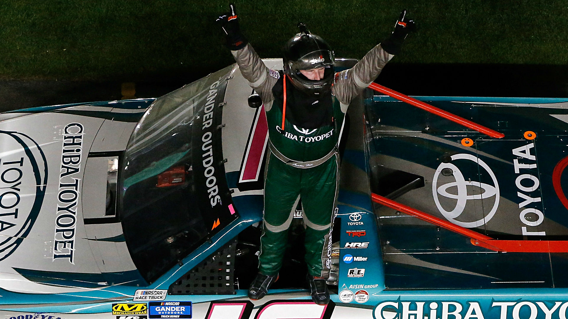 Austin Hill wins wild NASCAR Truck Series season opener in overtime at Daytona