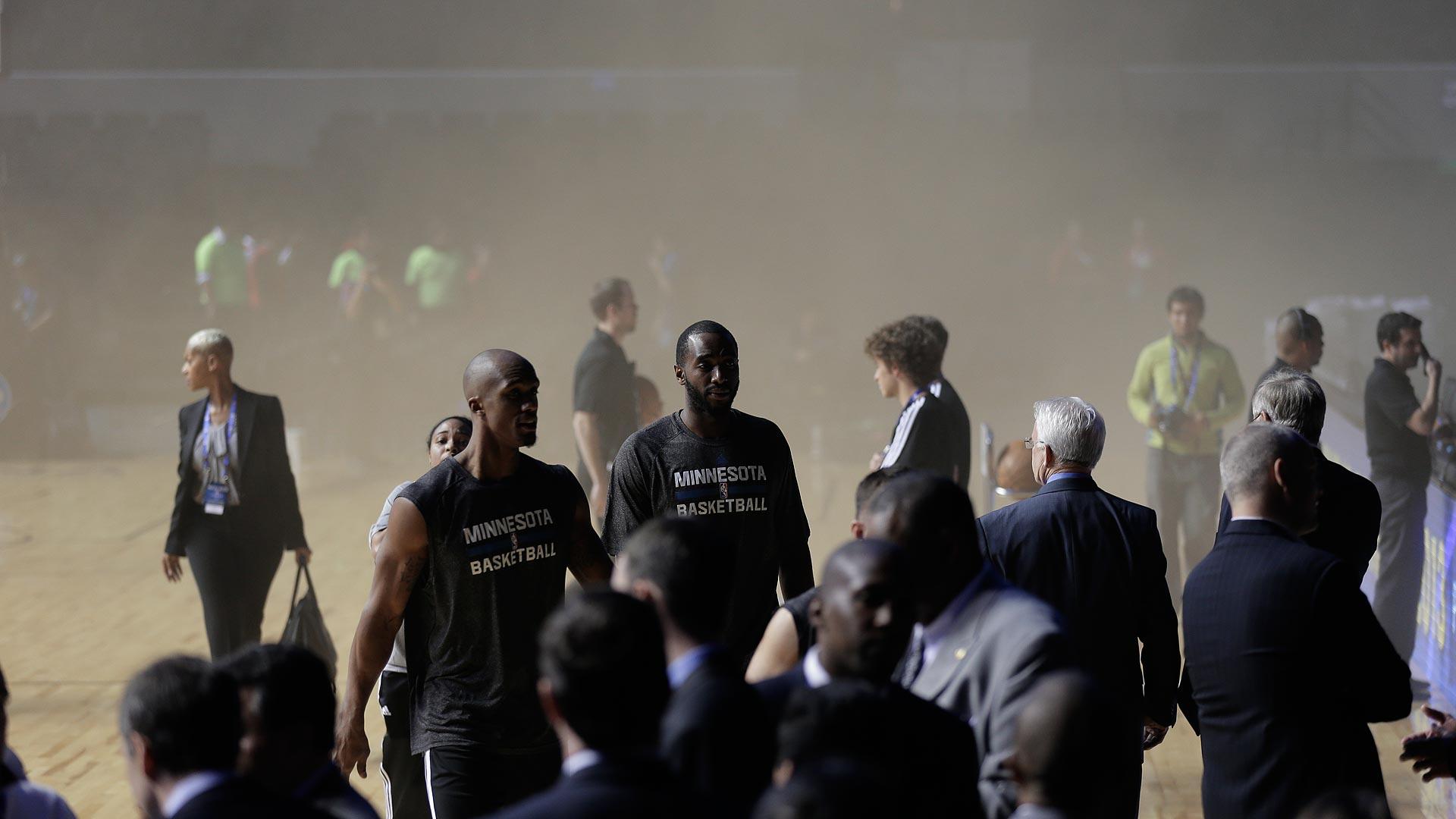 Timberwolves smoke-120413-AP-FTR.jpg