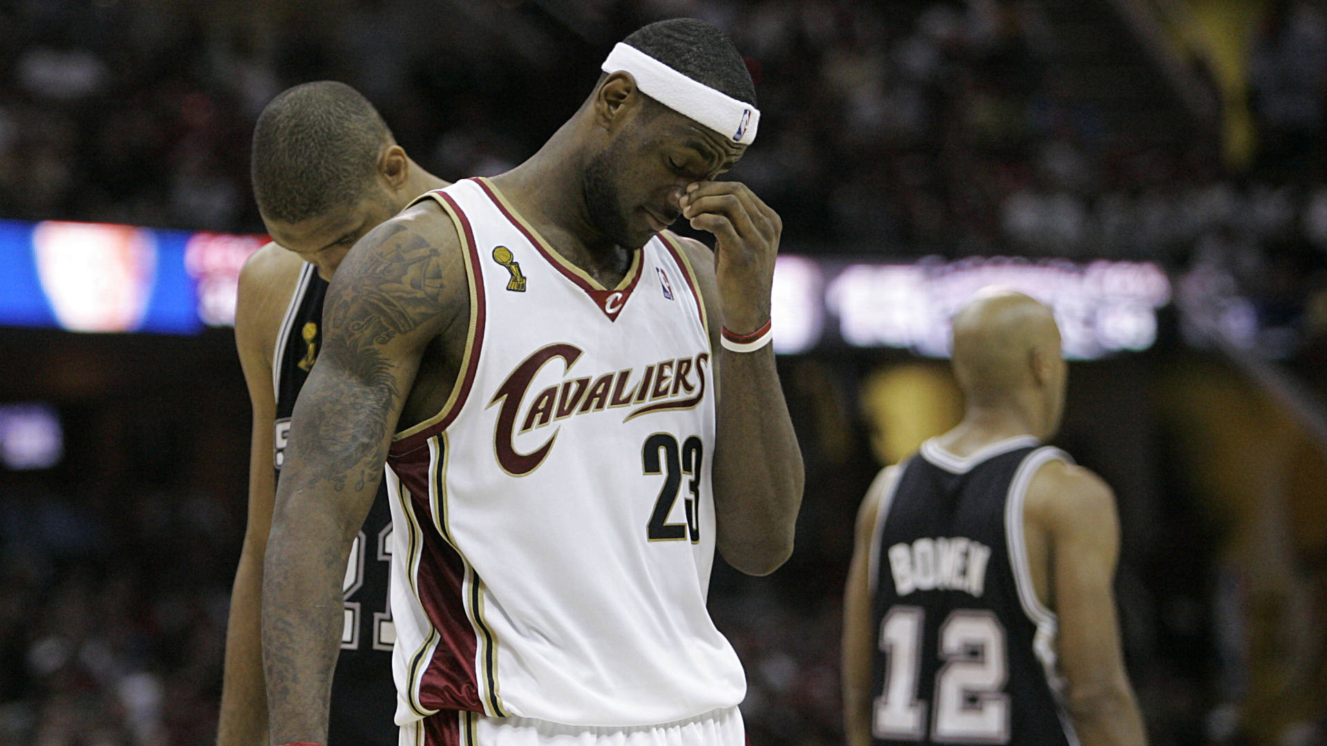 LeBron-James-072714-AP-FTR.jpg