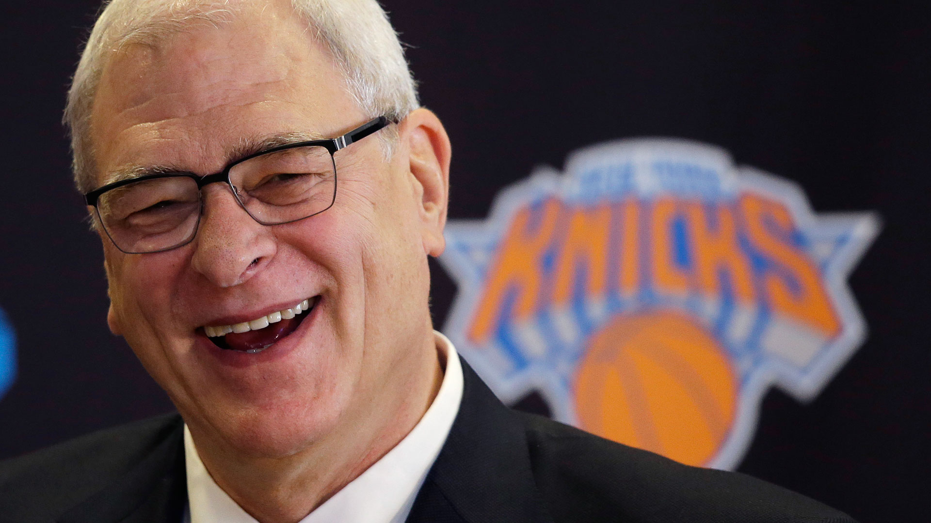Phil Jackson alters his stance on 3-pointers, still thinks playing for three is an 'error'